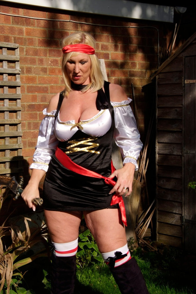 Pirate Melody what a hottie