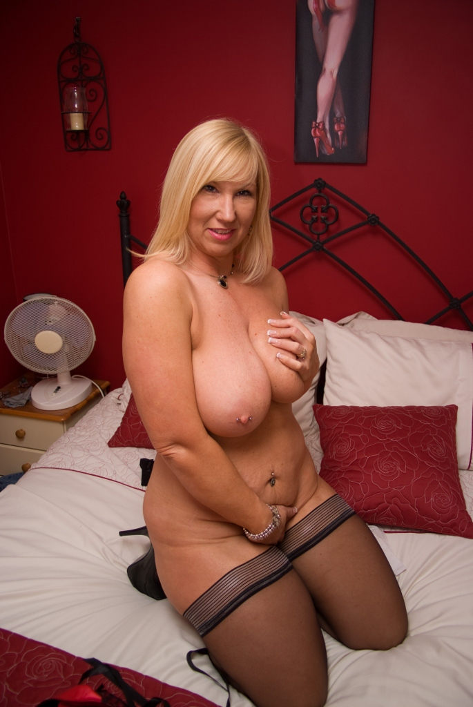 19 year old charm is set up for first porn scene 5